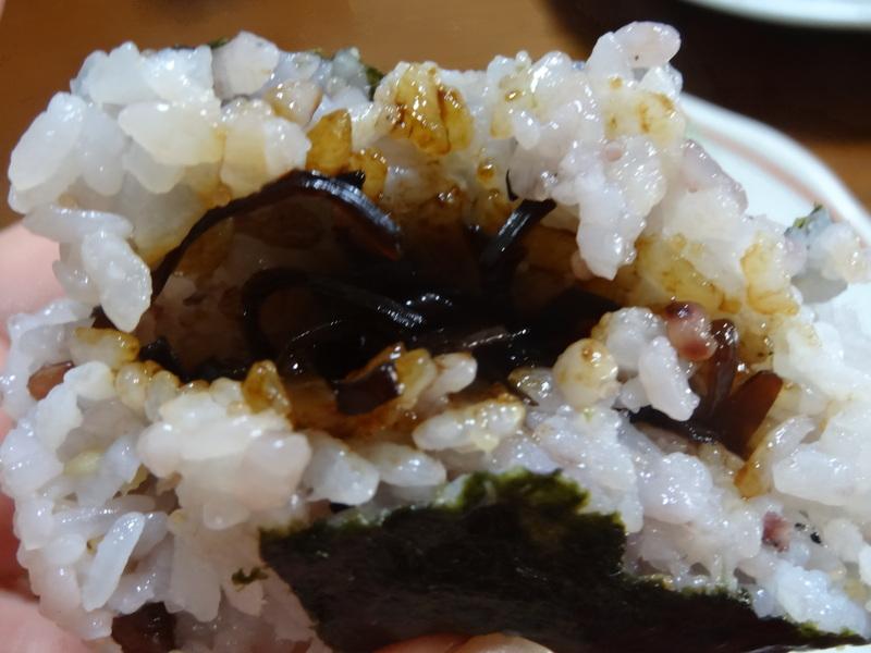 チャンポン麺、厚揚げ、鮭の西京味噌漬け、お握り、おはぎ、煮込みハンバーグ風肉団子です。_c0225997_186274.jpg