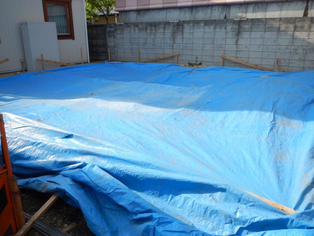 中野富士見町の家:底盤のコンクリート打ち_e0054299_15064018.jpg