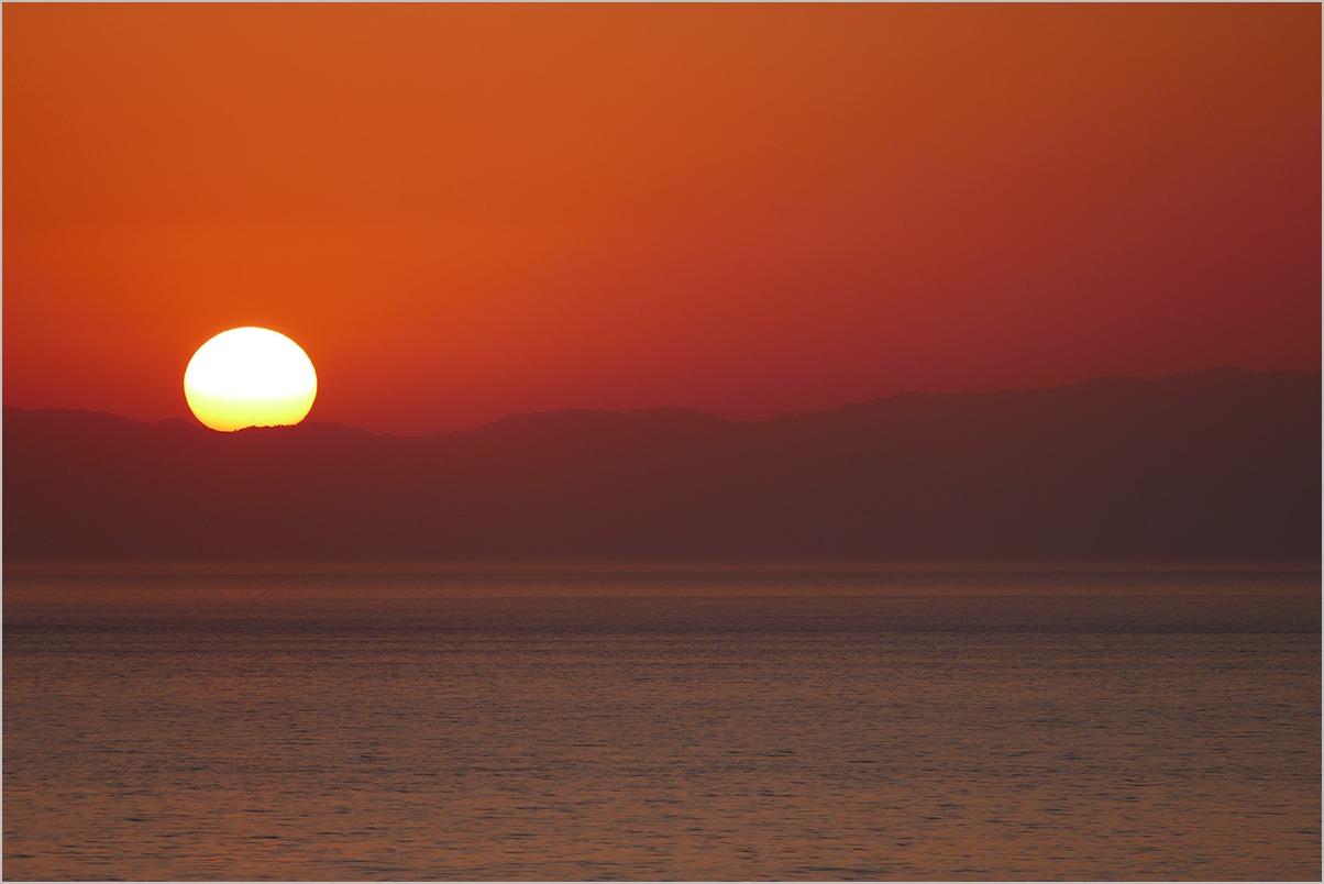 佐渡に沈む夕日を見ていた日 watching the sundown #Nikon Df #LEICA V-LUX_c0065410_18593715.jpg