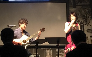 "Live at ""BLUVINO"" in Seoul♪_c0139321_1814292.jpg"