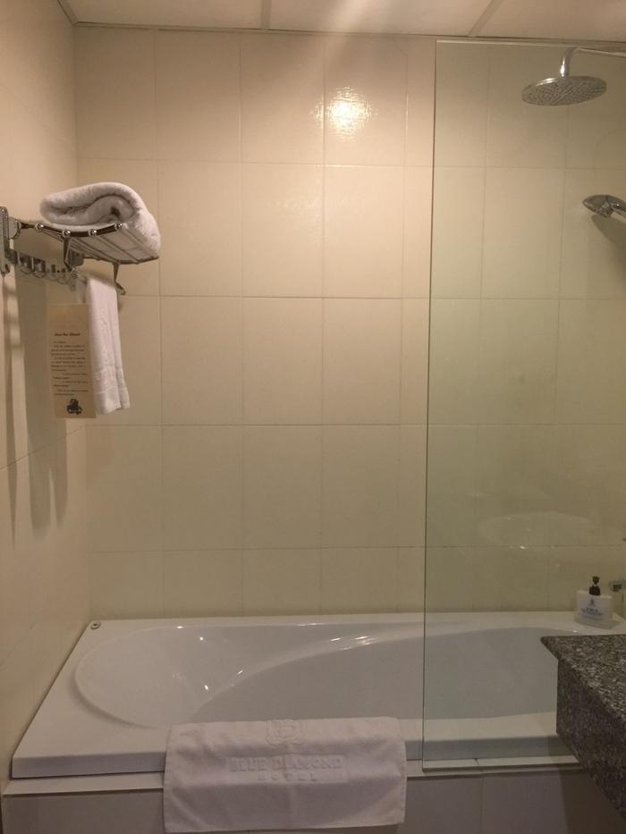 ホーチミン 空港からホテルへ 宿泊はBlue DIamond_f0062122_1255516.jpg
