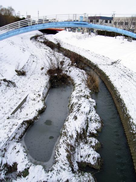 河は流れ道は続く_e0338273_18583400.jpg