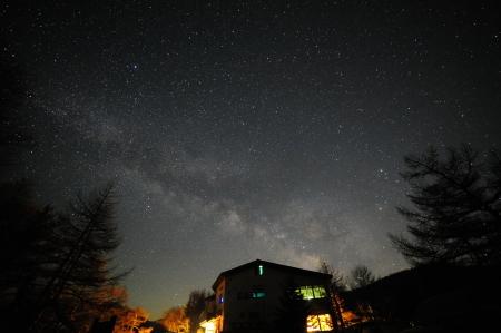 夜中に見られる天の川_e0120896_07524011.jpg