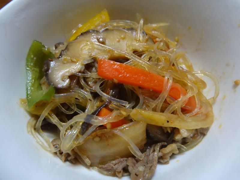 窯焼き叉焼丼、厚揚げの煮物、春雨と野菜の炒め物、烏賊の西京味噌漬けです。_c0225997_22251125.jpg