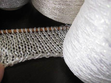 定番になった水羊羹作り&娘2のチュニック用の糸_a0279743_1055847.jpg