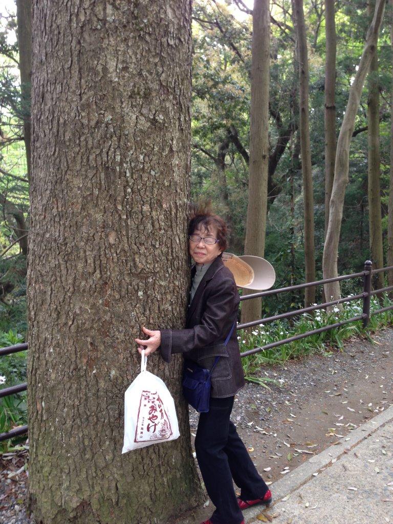 秋川温泉&高尾山 もうすぐ88歳の八重子さんと_f0019063_1292326.jpg