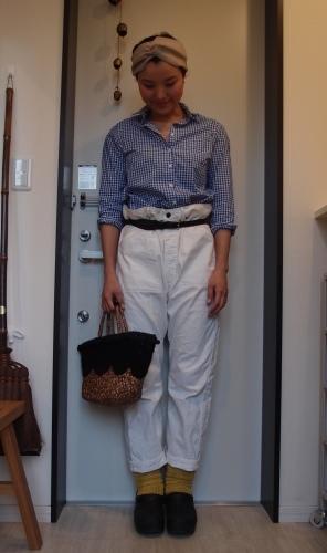 ギンガムチェックシャツと白パンツ冷え取りファッション15 4/28_c0342582_17084613.jpg