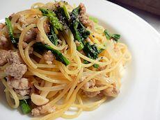 本日パスタ:豚ひき肉とかき菜の和風スパゲティ_a0116684_1285037.jpg