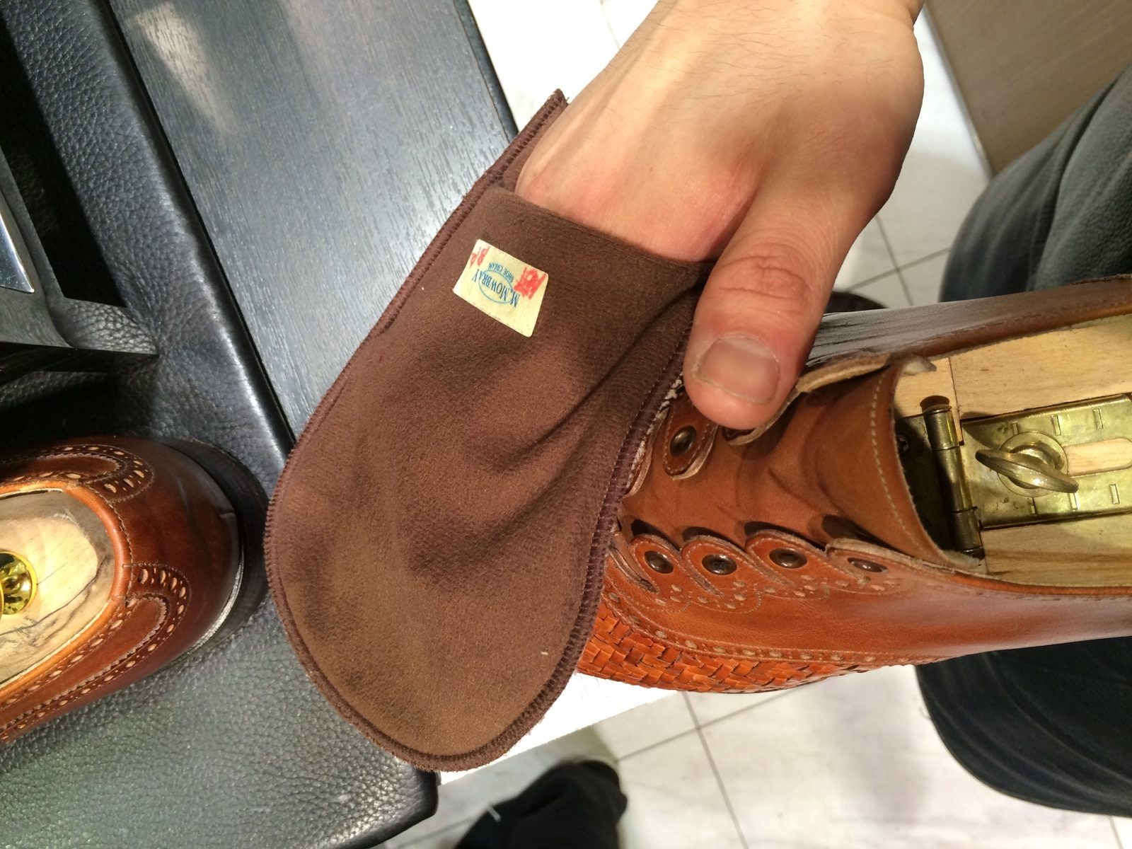 メッシュレザーの靴のお手入れには?_b0226322_10451942.jpg
