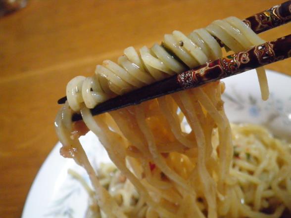 台湾まぜそばとかやくご飯おむすび_c0118393_1459356.jpg