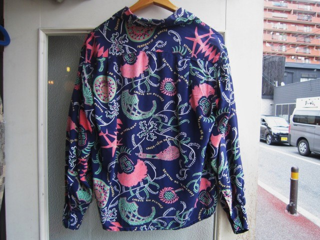 素敵な総柄のシャツ。_a0182112_1627845.jpg