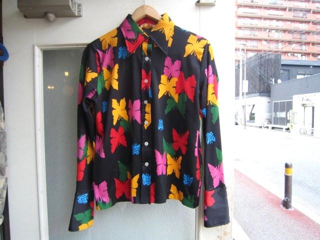 素敵な総柄のシャツ。_a0182112_163973.jpg