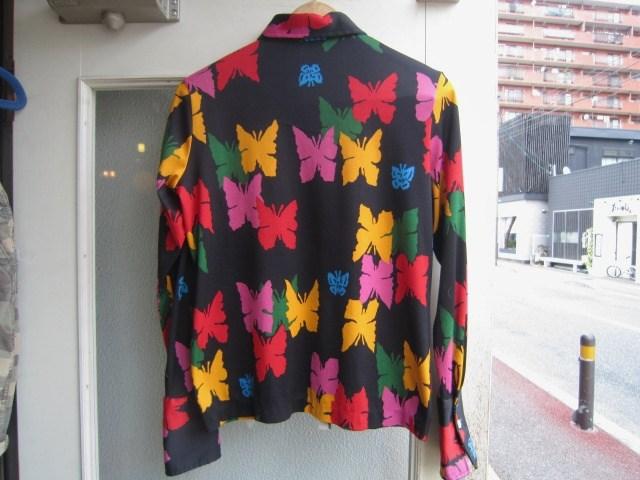 素敵な総柄のシャツ。_a0182112_1652242.jpg