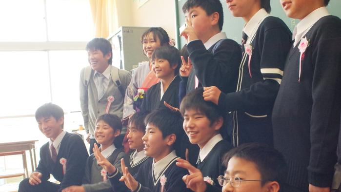 次男Yuna小学校卒業_c0067646_0495284.png