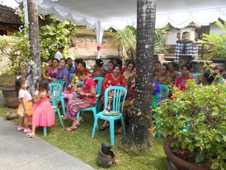 お金持ちの家の結婚式_d0083068_10272658.jpg