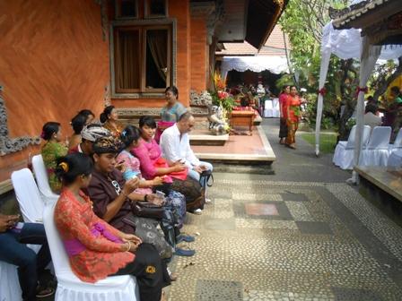 お金持ちの家の結婚式_d0083068_1030327.jpg