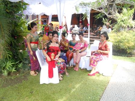 お金持ちの家の結婚式_d0083068_10441249.jpg