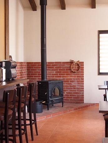 薪ストーブのあるお店:Pocapo cafe。_a0045293_8472079.jpg