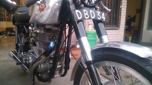 BSA DBD34 GOLDSTAR_b0153544_18365110.jpg
