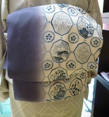 涼しげな羽織・本塩沢の着姿・猫の扇子素敵な方のもとへ_f0181251_17472965.jpg