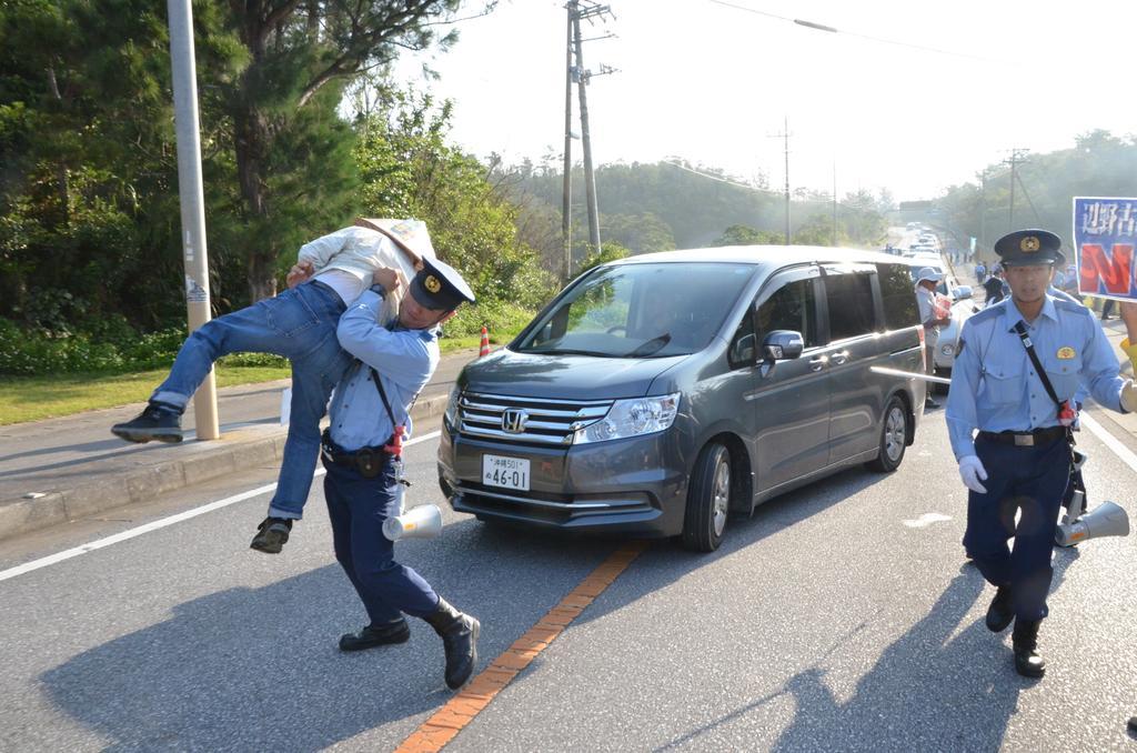 福島第1、保管タンクから汚染水漏えい ほか_f0212121_9465388.jpg