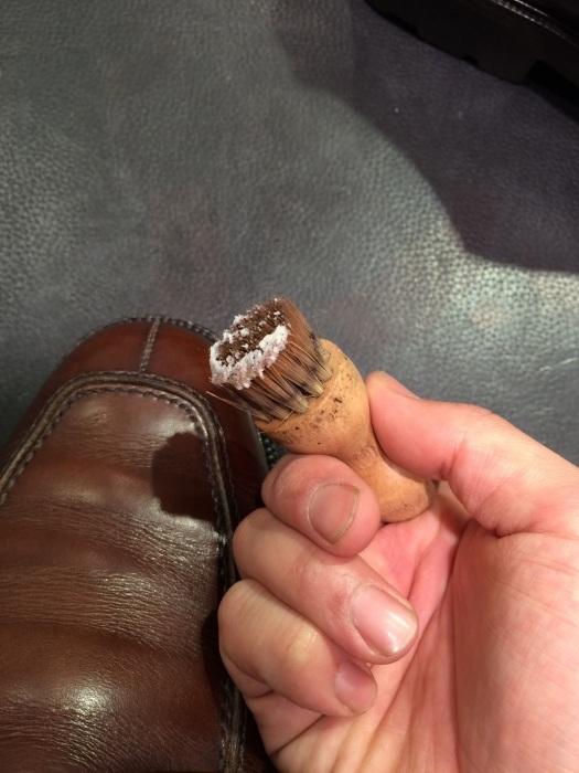 茶色の靴にはどっちのクリーム?_b0226322_13021627.jpg