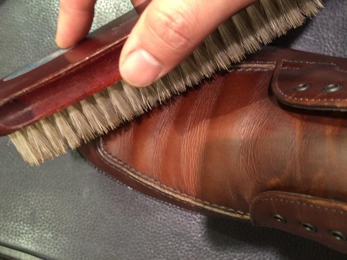茶色の靴にはどっちのクリーム?_b0226322_13022396.jpg