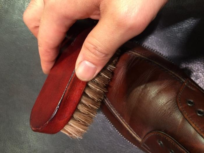 茶色の靴にはどっちのクリーム?_b0226322_13031601.jpg