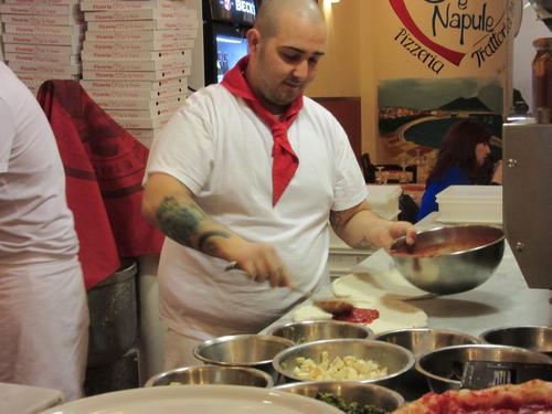 えっ!この値段でナポリPIZZAが食べれる場所@フィレンツェ_c0179785_1621521.jpg