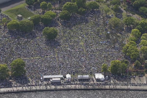 横浜に3万人 5・3憲法集会 戦争・原発・貧困・差別を許さない_f0212121_2339498.jpg