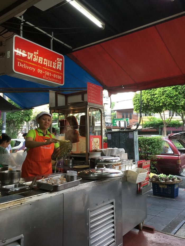 2015 GW バンコク (6) 朝のトンローで炒飯@コンセーリー_f0062122_87273.jpg