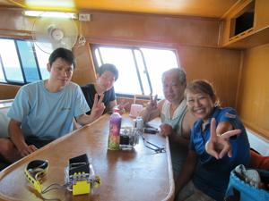 今日はみんなでピピ島ダイビング!!_f0144385_23121598.jpg