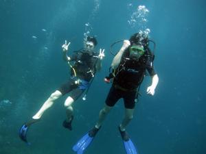 今日はみんなでピピ島ダイビング!!_f0144385_23160464.jpg