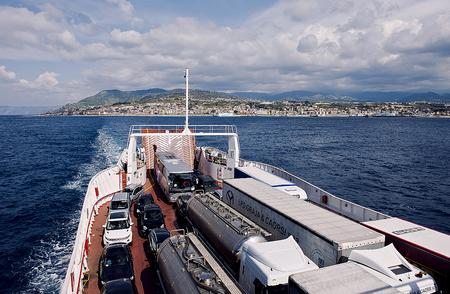 イタリア本島からシチリアへ。_f0245594_10271790.jpg