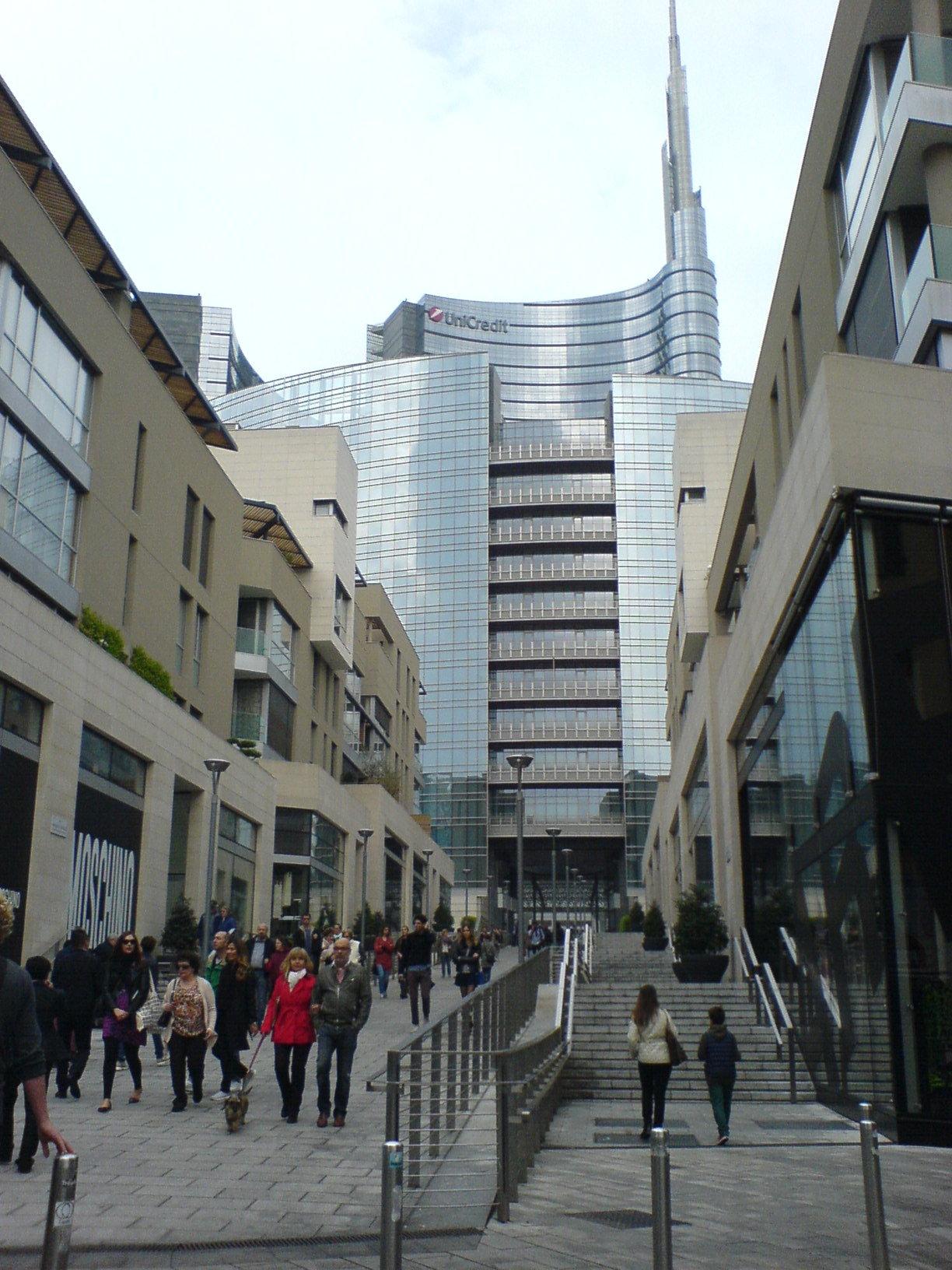 ミラノがどんどん好きになる。この10年で本当のデザイン都市になった印象。_c0061896_6304036.jpg