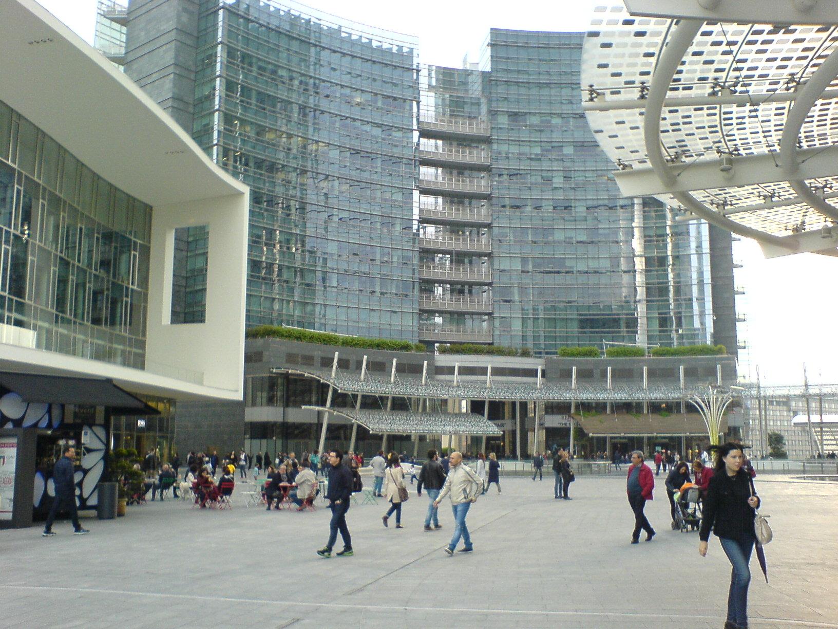 ミラノがどんどん好きになる。この10年で本当のデザイン都市になった印象。_c0061896_633046.jpg