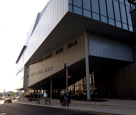 NYに新しいホイットニー美術館(Whitney Museum of American Art)がついにオープン!!!_b0007805_10393742.jpg