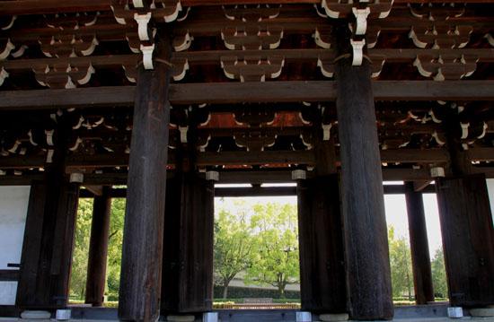 非公開文化財 東福寺三門_e0048413_2027737.jpg