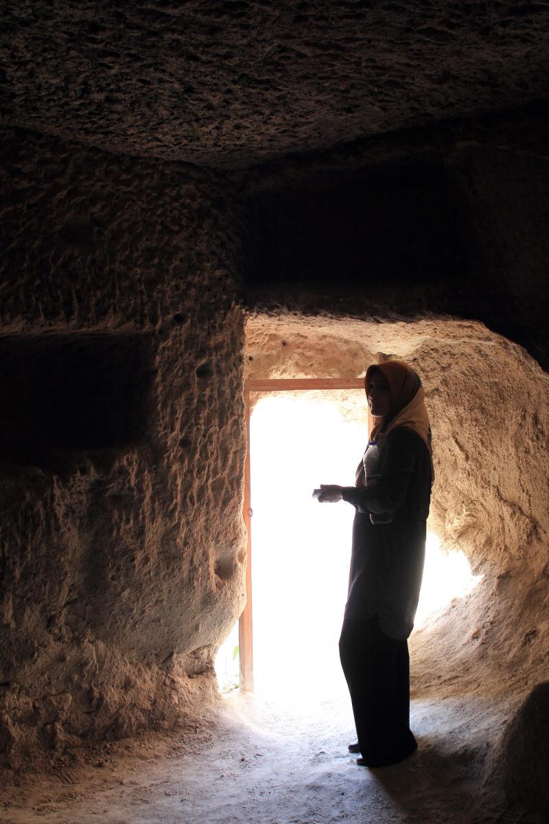 カッパドキア  洞窟の女_b0061717_121917.jpg