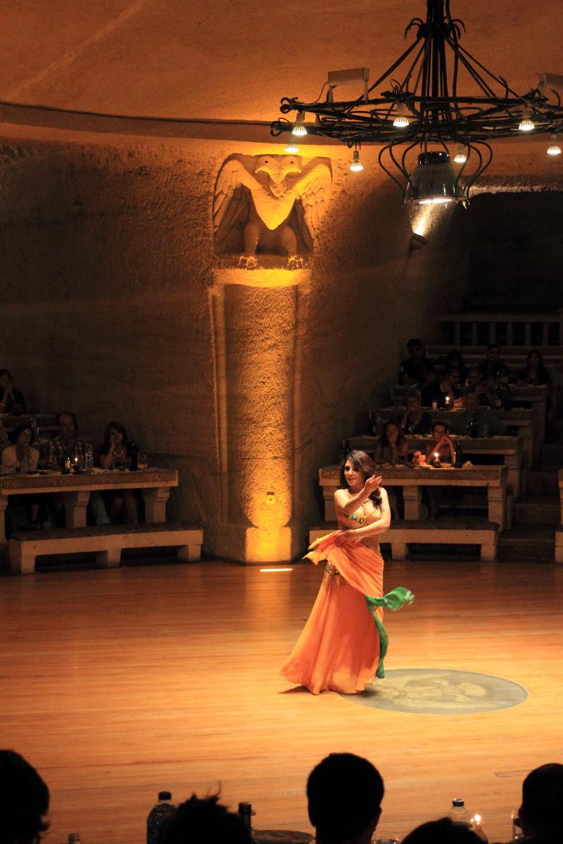 カッパドキア  ベリーダンスの女_b0061717_12332660.jpg