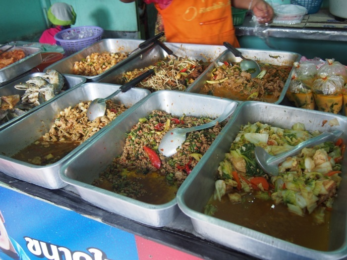 2015 GW バンコク (8) こういうのが美味いのだ  Terminal 21脇の屋台朝食_f0062122_10292950.jpg