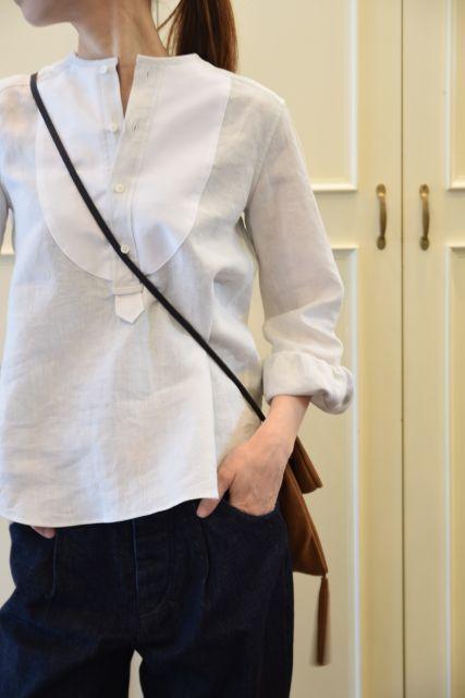 リネンの白シャツ ・・・ Scye._b0110586_19480045.jpg