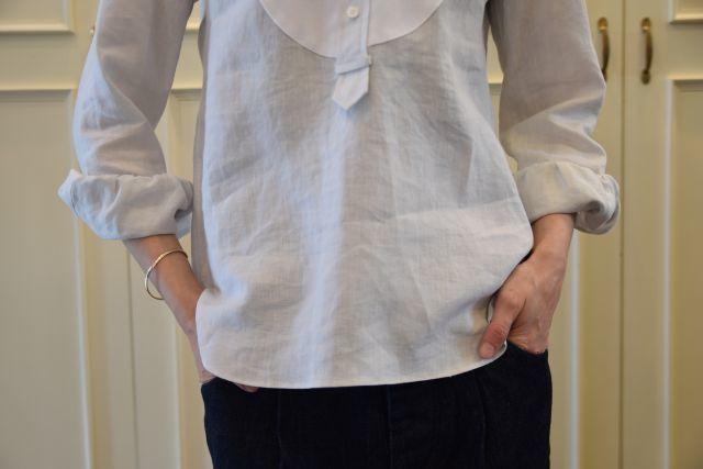 リネンの白シャツ ・・・ Scye._b0110586_19532731.jpg