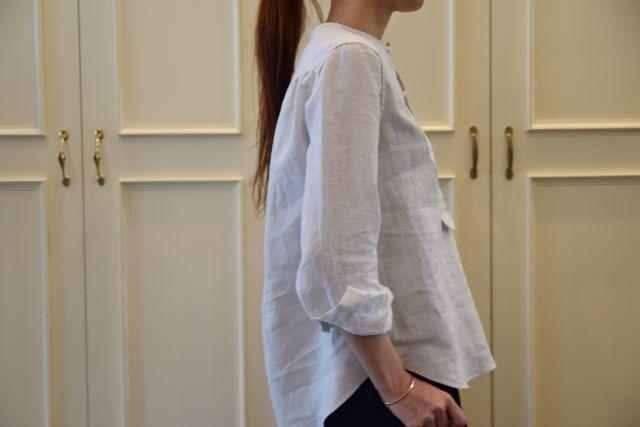 リネンの白シャツ ・・・ Scye._b0110586_19534476.jpg