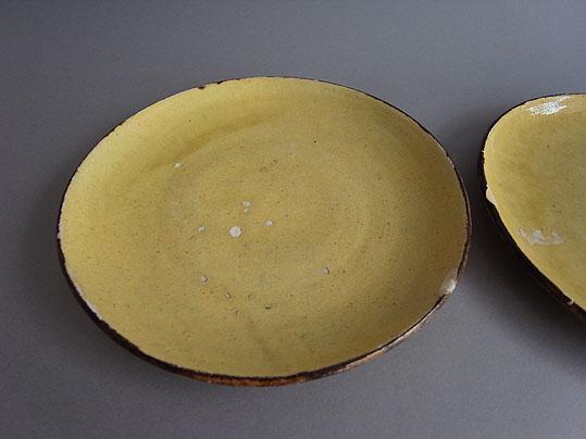 黄色の平皿_e0111789_12523234.jpg