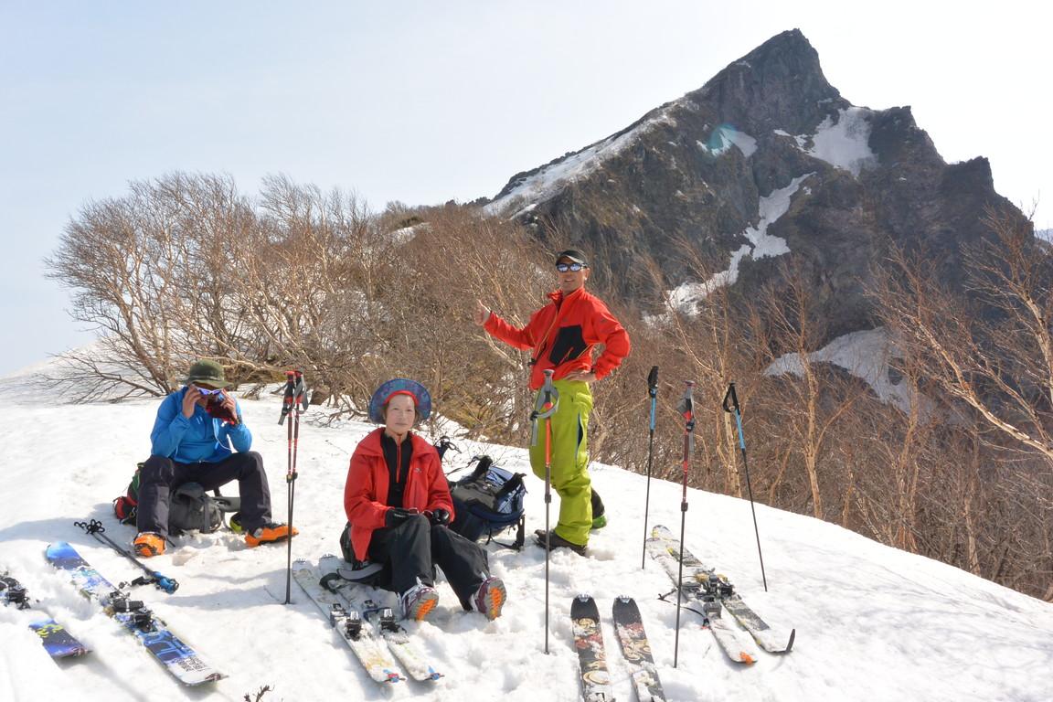 """2015年5月『残雪を求めて、その2 -大雪北鎮岳-』 May 2015 \""""Spring Ski No.2\""""_c0219616_5451720.jpg"""