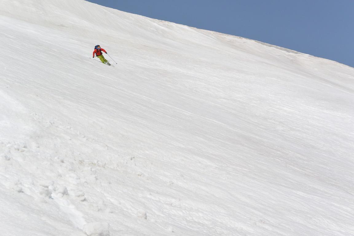 """2015年5月『残雪を求めて、その2 -大雪北鎮岳-』 May 2015 \""""Spring Ski No.2\""""_c0219616_9355745.jpg"""