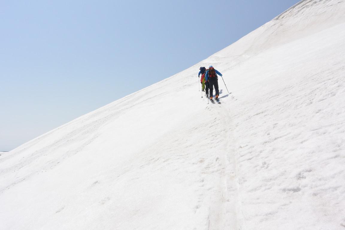 """2015年5月『残雪を求めて、その2 -大雪北鎮岳-』 May 2015 \""""Spring Ski No.2\""""_c0219616_9371072.jpg"""