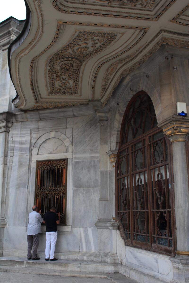イスタンブール  ファーティフ・モスクの光芒_b0061717_13324957.jpg