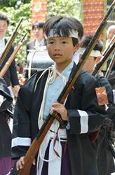 熊野神社の神幸祭で「勤王隊」に参加!_b0067283_18131774.jpg